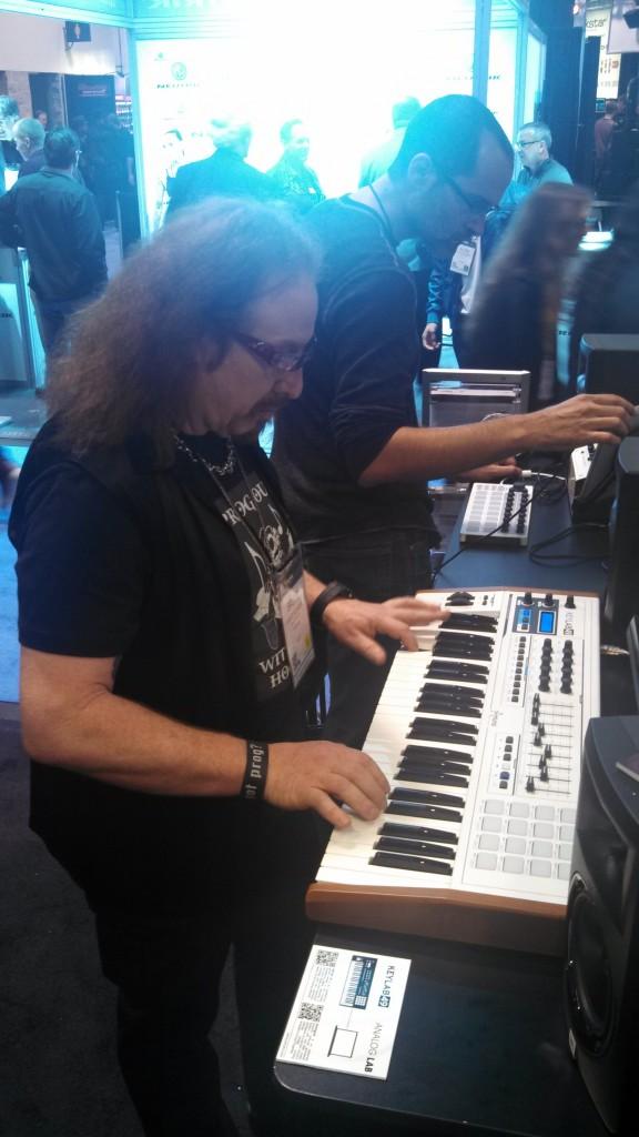 Brook Hansen (Prog Rock Orchestra) demoing the new Arturia KeyLab 61
